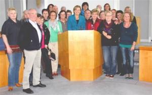 Julia Klöckner, MdL empfängt Mitarbeitende des christlich-ambulanten Hospizdienstes im Plenarsaal